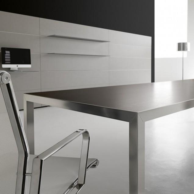 SR112VM Tavolo Riunioni dallo stile pulito, minimal ed essenziale.